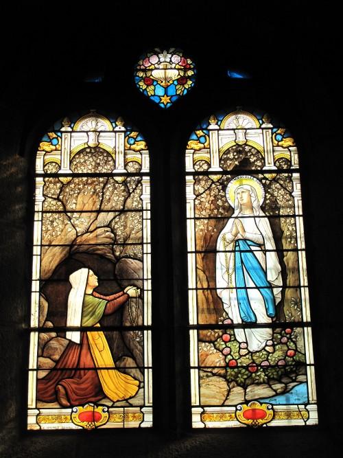 Eglise_de_Samoens_Sainte-Bernadette.jpg