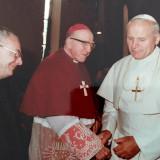 Rencontre_de_leveque_dAngers_avec_le_Pape_Jean_Paul_II