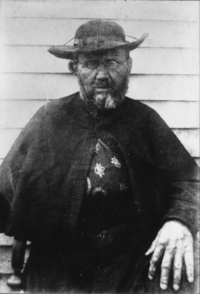 """William Brigham [Public domain], <a href=""""https://commons.wikimedia.org/wiki/File:Father_Damien,_photograph_by_William_Brigham.jpg""""  target=""""_blank"""">via Wikimedia Commons</a>"""