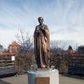 Saint_John_Neumann-statue.th.jpg