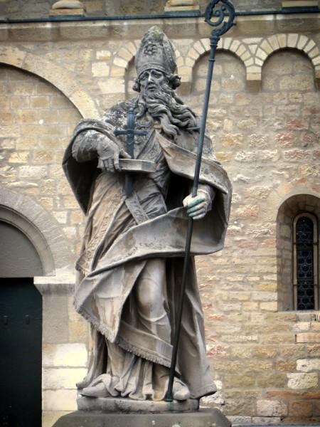 St_Boniface_statue_Mainz.jpg