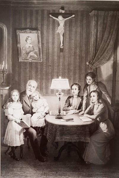 Martin_family.jpg