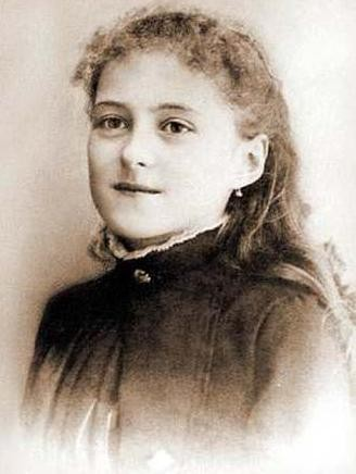 """Historical and original Photo representing Saint Therese of Lisieux at the age of 13  <a href=""""https://commons.wikimedia.org/wiki/File:Teresa13anni.JPG"""" title=""""via Wikimedia Commons"""" target=""""_blank"""">Unknown author</a> / Public domain"""