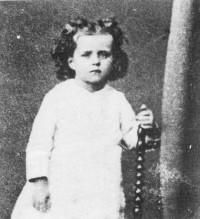 "Saint Teresa di Lisieux nel 1876.  <a href=""https://commons.wikimedia.org/wiki/File:Teresa1876.jpg"" title=""via Wikimedia Commons"" target=""_blank"">Unknown author</a> / Public domain"