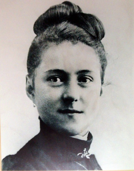 """Theresia van Lisieux - Photo taken at the Basilica of Lisieux, Normandy, France   <a href=""""https://commons.wikimedia.org/wiki/File:Theresia_van_Lisieux.jpg"""" title=""""via Wikimedia Commons"""" target=""""_blank"""">Original unknown (Renegade at nl.wikipedia)</a> / Public domain"""