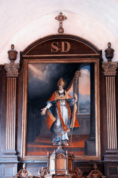 """Altarpiece depicting Saint Dionysius - Church of Saint Denis in Goussonville in the Yvelines France  <a href=""""https://commons.wikimedia.org/wiki/File:Goussonville_%C3%89glise_Saint-Denis_Autel_766.jpg"""" target=""""_blank"""">GFreihalter</a>, <a href=""""https://creativecommons.org/licenses/by-sa/3.0"""" target=""""_blank"""">CC BY-SA 3.0</a>, via Wikimedia Commons"""